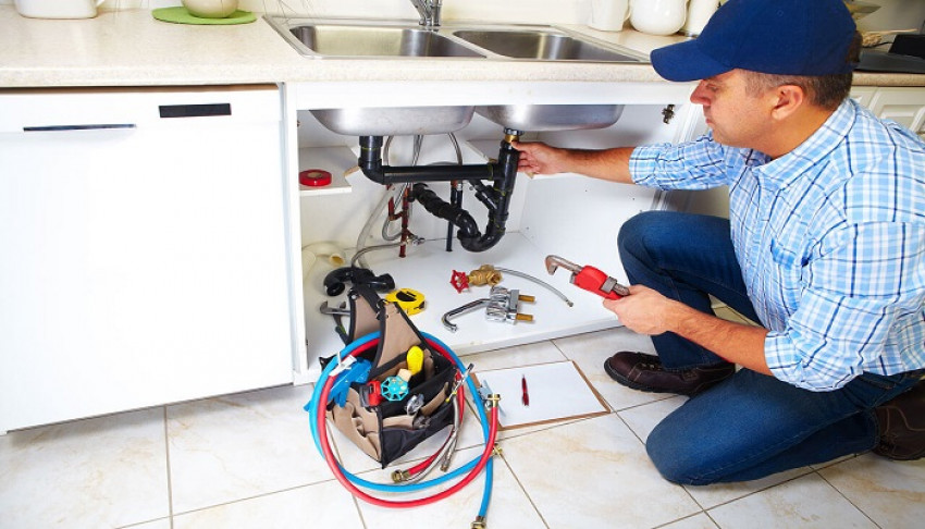 Why You Need a Professional Plumber for Drain Clogs Repair?