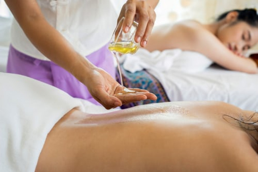 """Taking a """"Hands On"""" Approach Will Help You Choose the Right Massage School"""