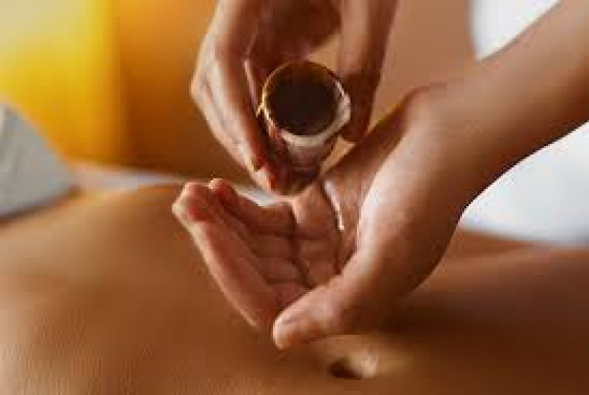 10 Benefits Of Aromatherapy Massage