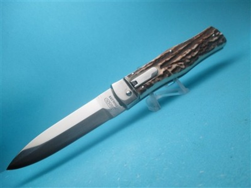 Looking to buy the best automatic knives to help you in any situation?